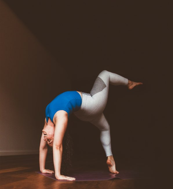 girl-in-dolphin-pose